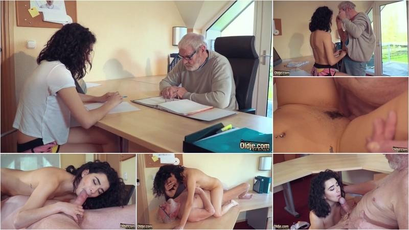 Mia Navarro - Grandpa Fucks Super Hot Petite Teen and Licks her Sweet 18 Year old Pussy (1080P/mp4/347 MB/FullHD)