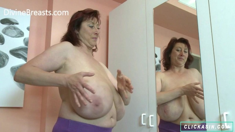 Janet Floppy Funbags in the Mirror – DIVINEBREASTS