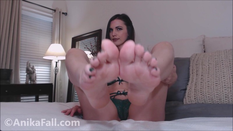 Anika Fall – My Feet Bring You Luck