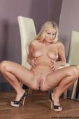 Miela - Sweet Pussy   (2020-04-19)