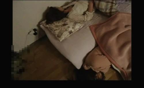 卒業式の夜 官能に目覚め始めた、眠れる女子・・・
