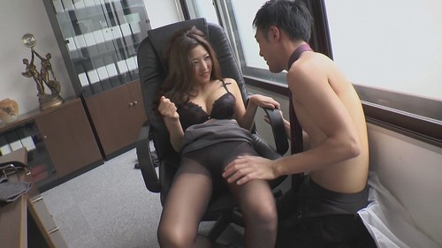 Emiri Momota - The Job Of A Secretary Vol. 10 (SD)