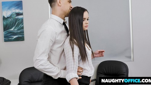 Amateurs - Naughty Office 2019-12-24 [HD/720p]