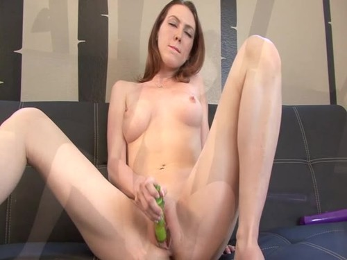 Playing With My Dripping Wet Pussy Is All I Want To Do [SD]