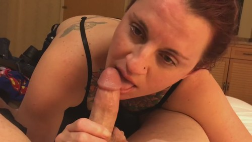 Amateurs - Wife Licking And Drooling All Over A Long Rod [HD/720p]