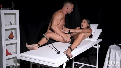 Cassie Del Isla - Cassie Del Isla - Pee And Cum All Over [SD/480p]