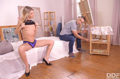 Blonde Babe Properly Fucked By Painter [SD]