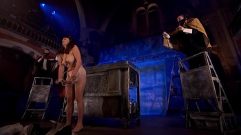 Celebrity Content - Naked On Stage - Page 32 Zmm7zejzeyoh