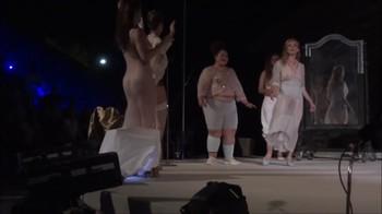 Celebrity Content - Naked On Stage - Page 32 Qv77jkze37cy