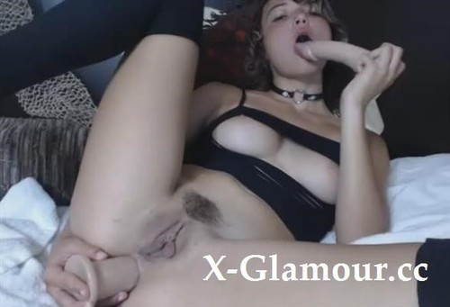 Amateurs - Slut Cant Stop Drilling Her Holes With Big Fat Dildos [SD/480p]