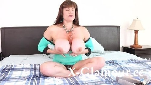 Titties And Toys [HD]