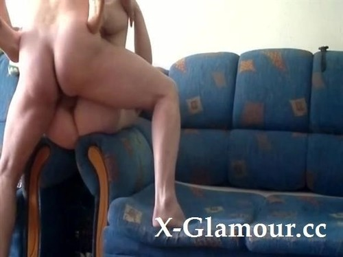Mature Guy Drills His Babe Really Hard On The Couch [SD]