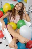 Nessa Babe Balloon Bath (May 30, 2020)