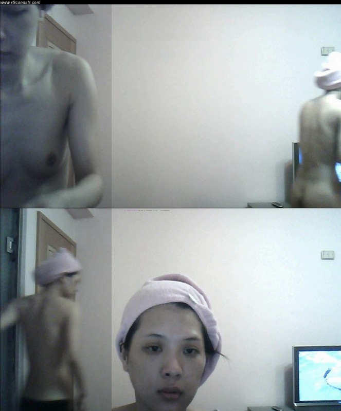 Facebook Cloudie Chen Naked in Front on Camera