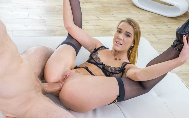 Nice Alexis Crystal Fisting Her Gorgeous Bestie 1