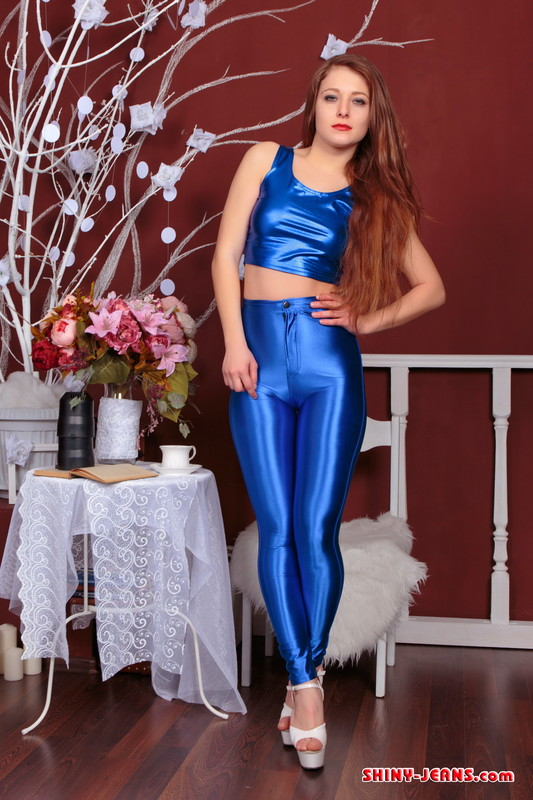 stunning female Xenia S in blue wetlook outfit