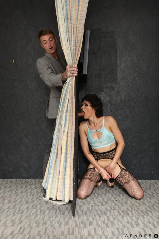 Transsexual Glory Holes – Alisia Rae & D'Arclyte (9 June 2020)