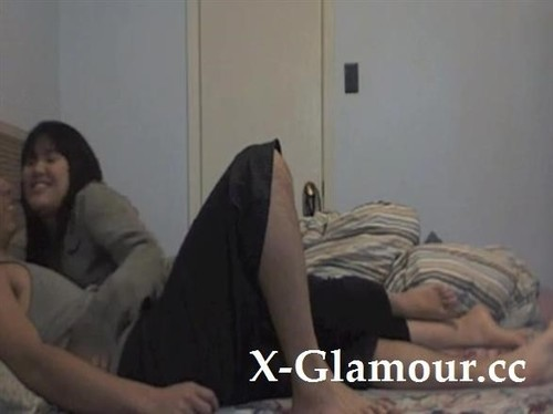 Webcam Is On And Filming Asian Couples Fuck On The Bed [SD]