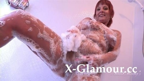 """Beau in """"Housewife Beau Plays With Herself For You In The Bathtub"""" [FullHD]"""