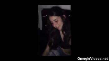 Stickam Jenni treibt sich bis zum spritzigen Orgasmus - Stickam Videos