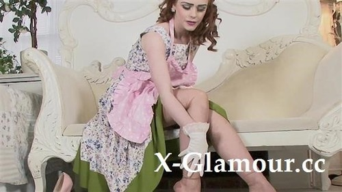 Amateurs - Redhead In Vintage Clothes (FullHD)