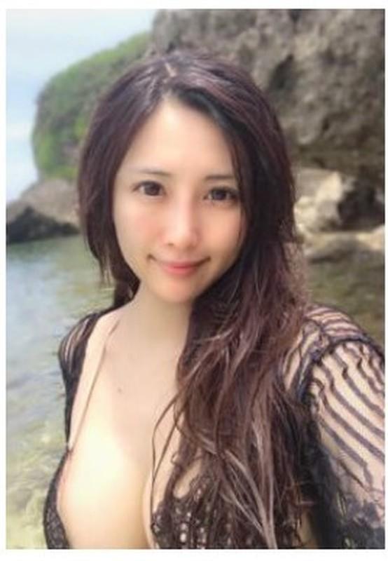 最新台灣美乳女神-劇情新作酒醉表姐旁偷情姐夫騎坐雞巴猛操無套中出高清