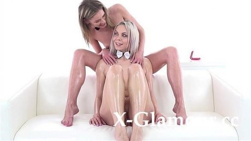 Claudia Macc, Julia Parker - Oiled Lesbos Playing With Toys [FullHD/1080p]