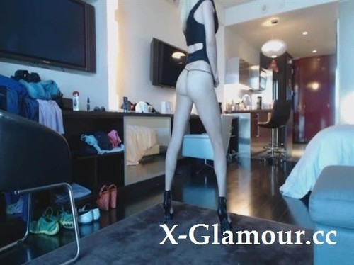 Sexy Blonde Girl With Long Legs Masturbates And Squirts Hard [SD]