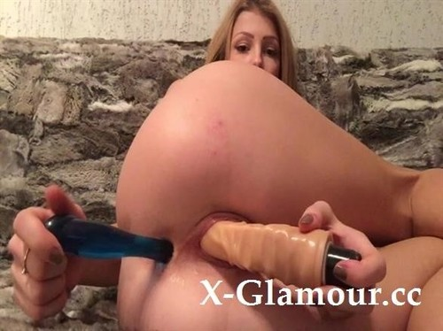 Webcam Goddess Drills Both Her Holes With Big Sex Toys [SD]