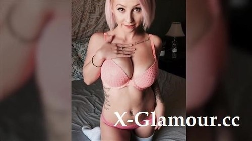 Pink-Haired Girl Swallows A Load [FullHD]