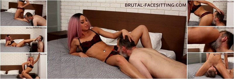 Mistress Rebeca - Oh! Boy! Lick me here! I'm getting so horny (HD)