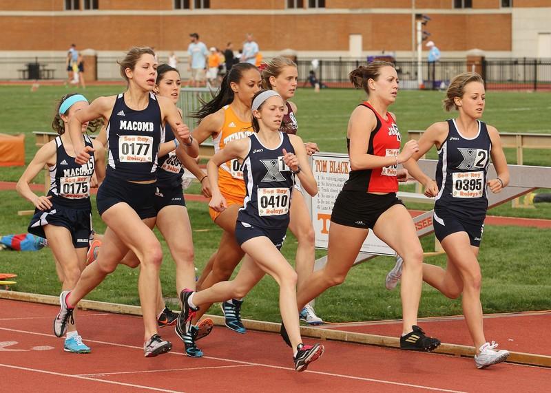 track girls running in kinky lycra