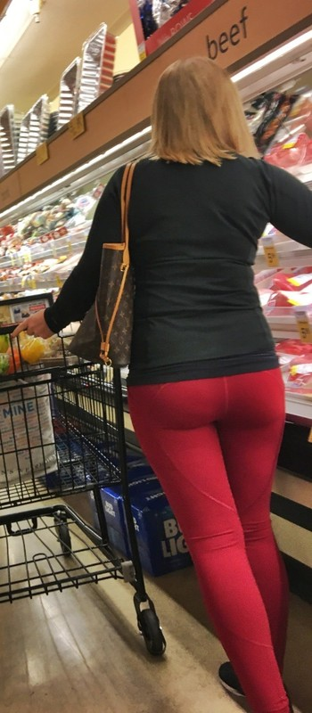 delicious babe in red fitness pants