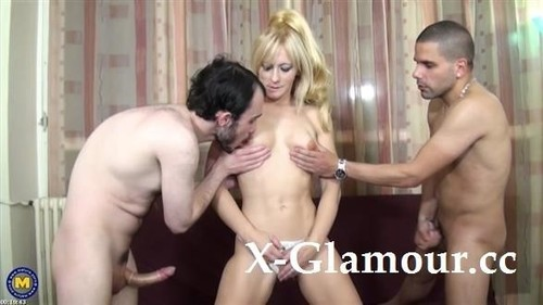 Ambre Delys - 42 An Amateur Mature Anal Threesome With Hot Milf (HD)