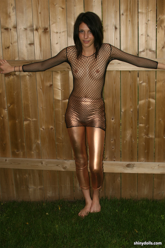 shiny doll Lola in fishnet clothes & wetlook leggings