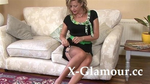 Blonde Milf Is Getting Undressed [HD]