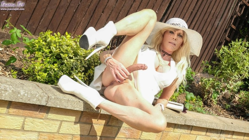 Joanna Jet - Me and You 422 - Garden Party [HD, 1080p]