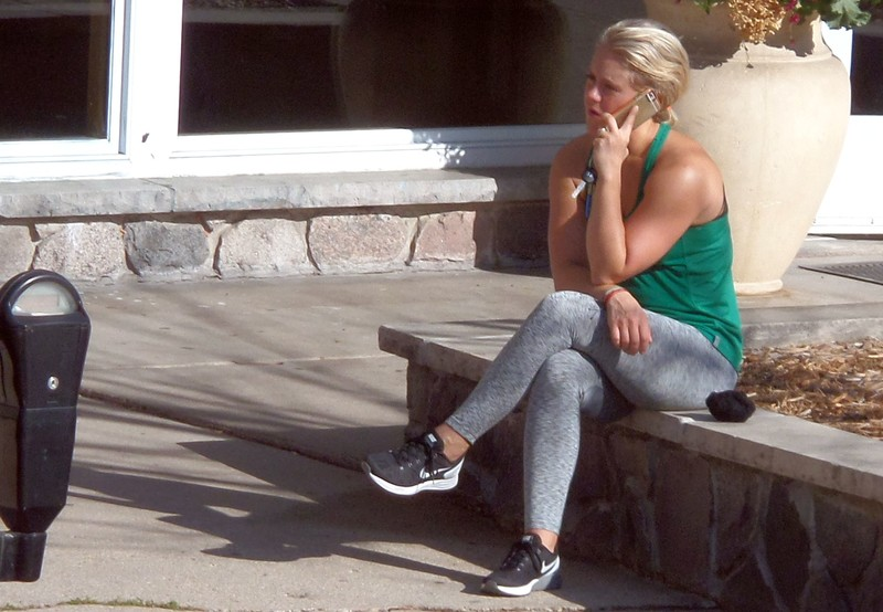 blonde chick in candid grey yogapants