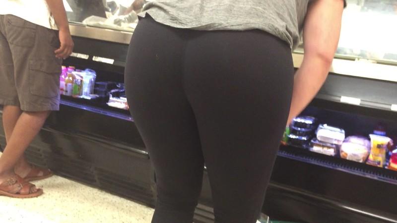mature lady butt in black lycra pants