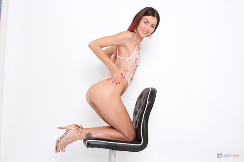 LegalPorno - Photoshoot with top model Cindy Shine turns into hot interracial sex with DAP and Facial SZ2544