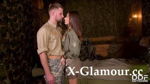 Army Babe Fucked By Sergeant [SD]