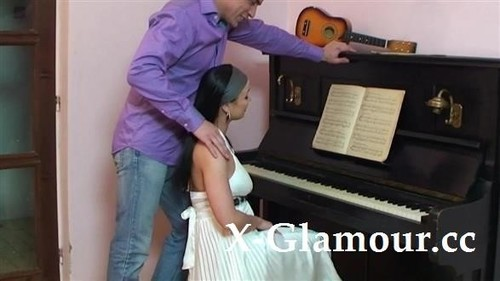 Amateurs - Piano Lesson Pounding [HD/720p]