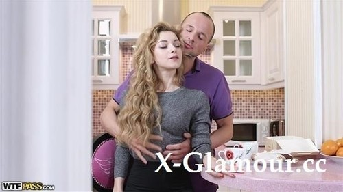 Sonya Sweet - Sucking And Fucking Her Pussy In My Kitchen [SD/480p]