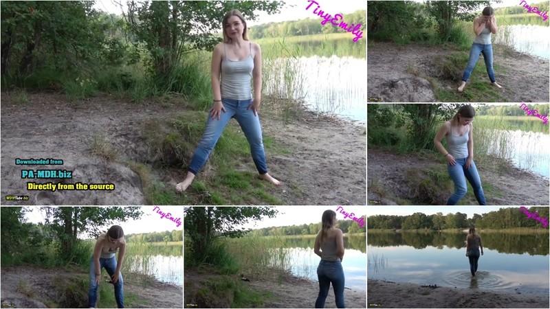 TinyEmily - OMG ich hab mir in die Hose gemacht - Mein Erstes JeansPiss Video Natursekt (1080P/mp4/35.4 MB/FullHD)