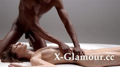 Florencia Onori - Extreme Interracial Massage (2020/HD)