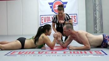 EvolvedFights Song Lee Vs Chad Diamond Arm Wrestling[]