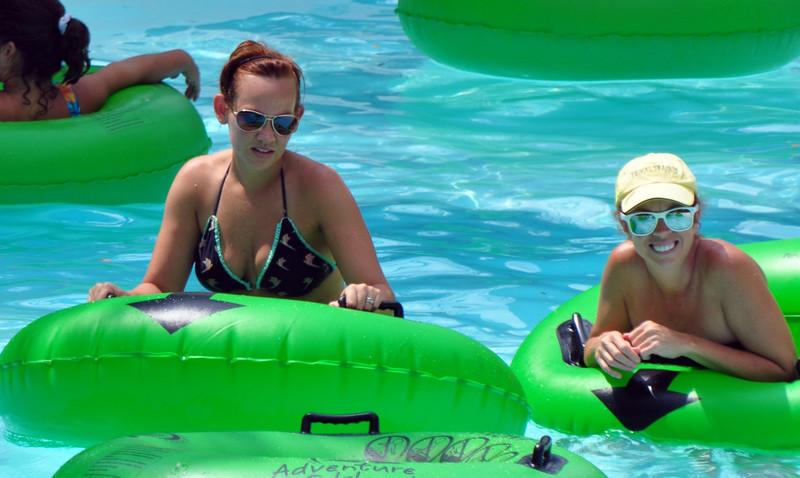 hot college teens kinky swimming pool pics