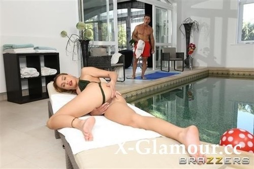 Anal At The Hotel Pool [SD]