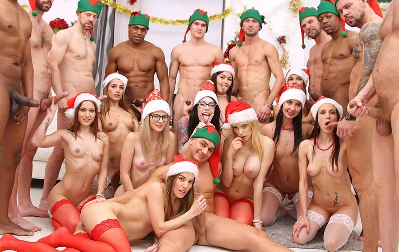 XXXMas 2020 Party - 10 Versus 10 Anal Orgy - Drinks Included! SZ2590 [SD 480p]