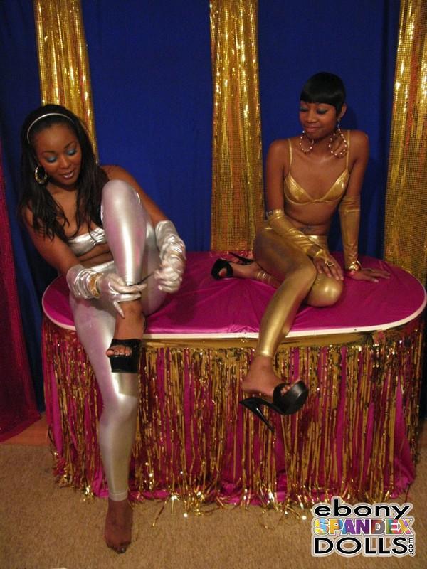 ebony lesbian girls leggings fetish photo album